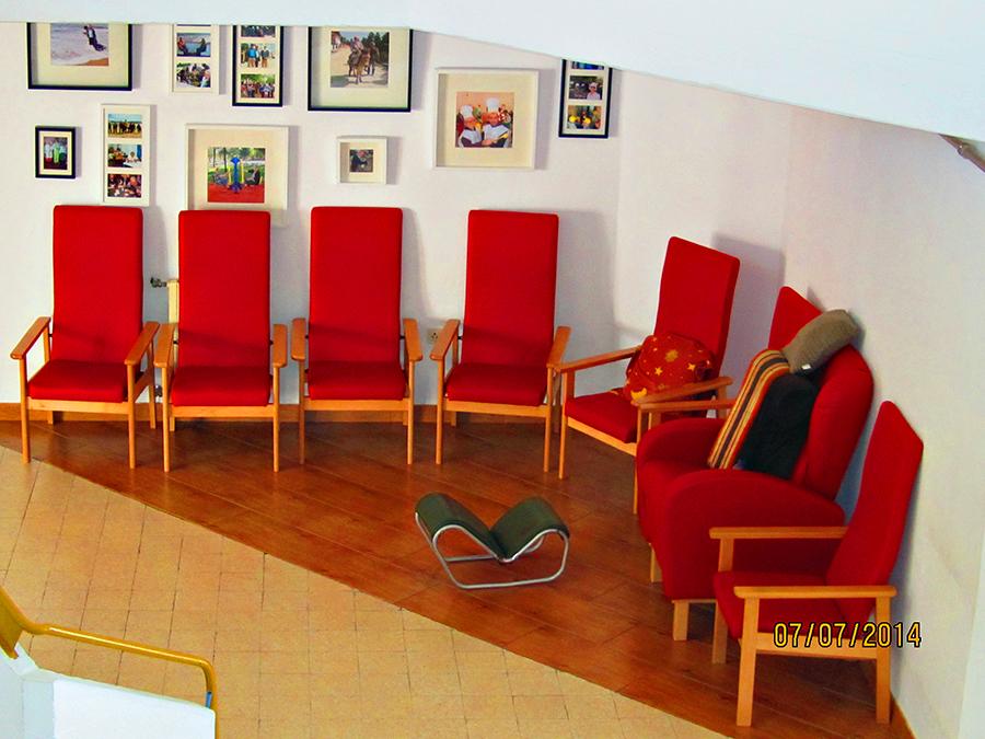 Pequena sala de estar atrio